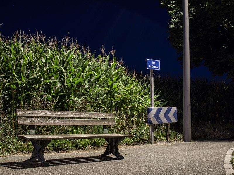 Le banc rue du Coteau de nuit