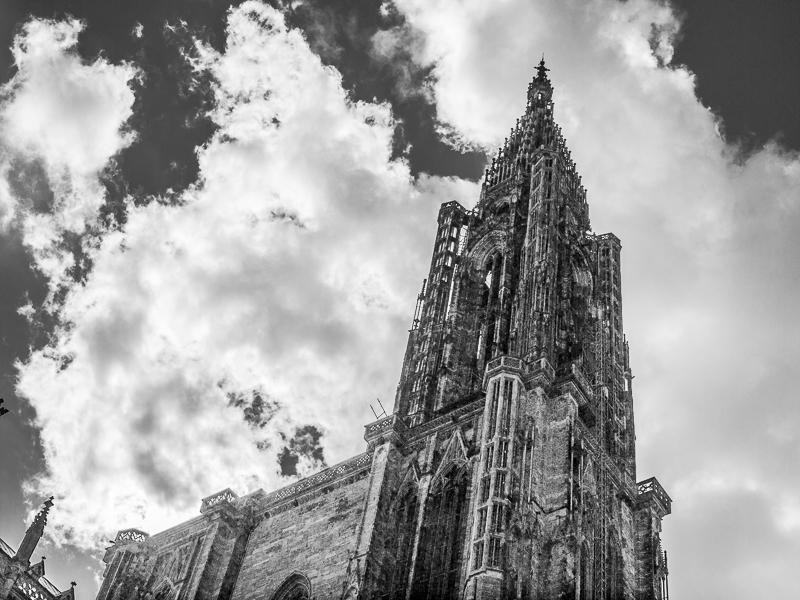 Vue du cloché depuis la rue du Dôme