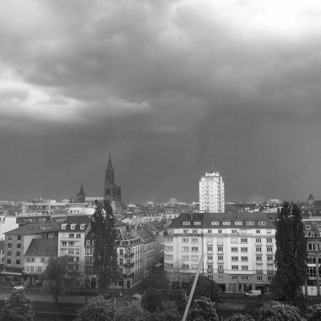 [Instagram] L'orage menace #strasbourg