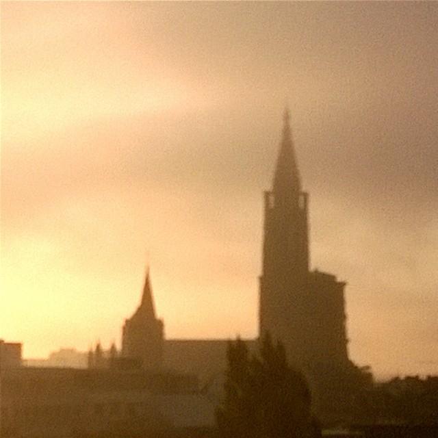 [Instagram] Levé de soleil sur la cathédrale millénaire #strasbourg #alsace #igersfrance