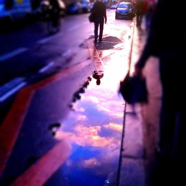[Instagram] Ciel du matin vue d'une flaque d'eau #igersfrance #igesrstrasbourg #sky