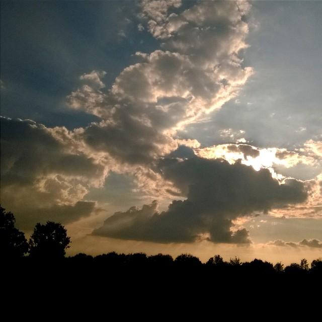 [Instagram] Un gros nuage cache le soleil #igersfrance #igesrstrasbourg #sky #alsace