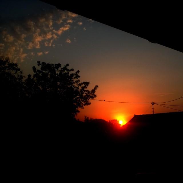 [Instagram] 5h50, c'est tôt mais c'est beau. Ps il fait déjà 25 degrés dehors.