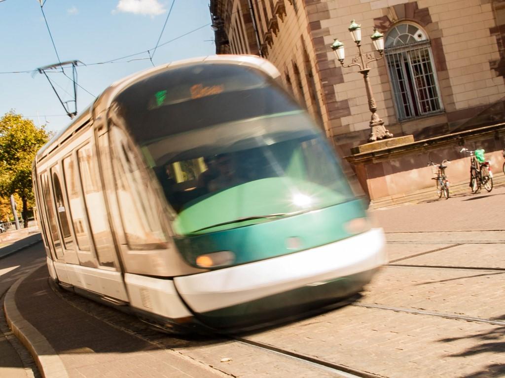 Tram de Strasbourg - Opéra du Rhin venant de République