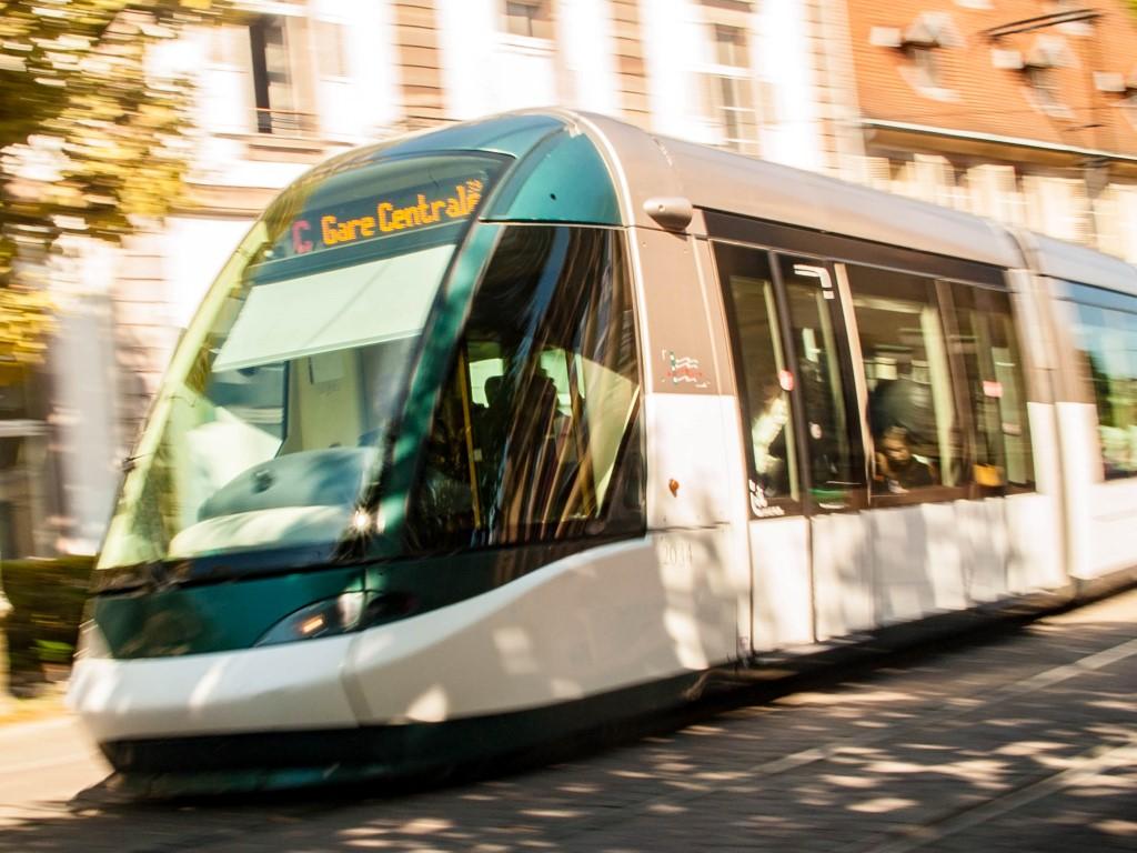 Tram de Strasbourg - Place Broglie venant du centre ville