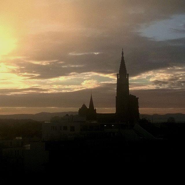 [Instagram] La Cathédrale au levé du soleil