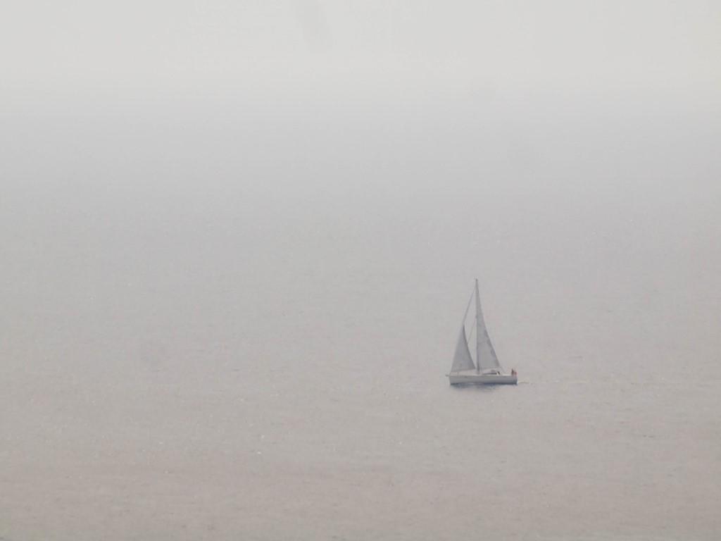 Bateau entre ciel et mer