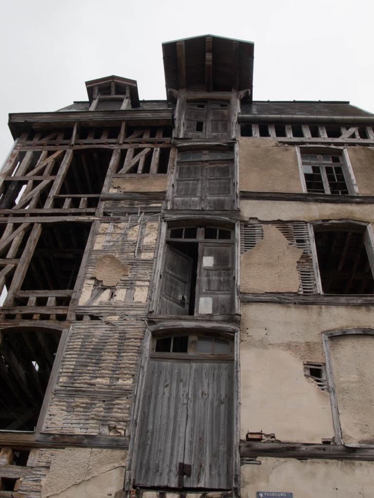 La pile de porte du vieux moulin de Bar-Sur-Seine
