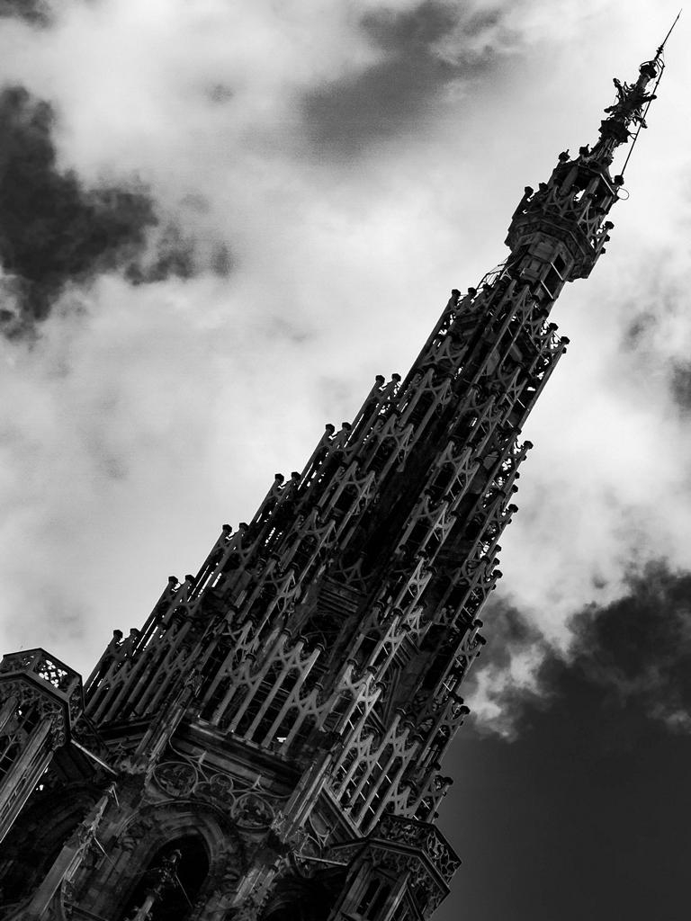 Cathédrale de Strasbourg au 300mm - La flèche ciselée