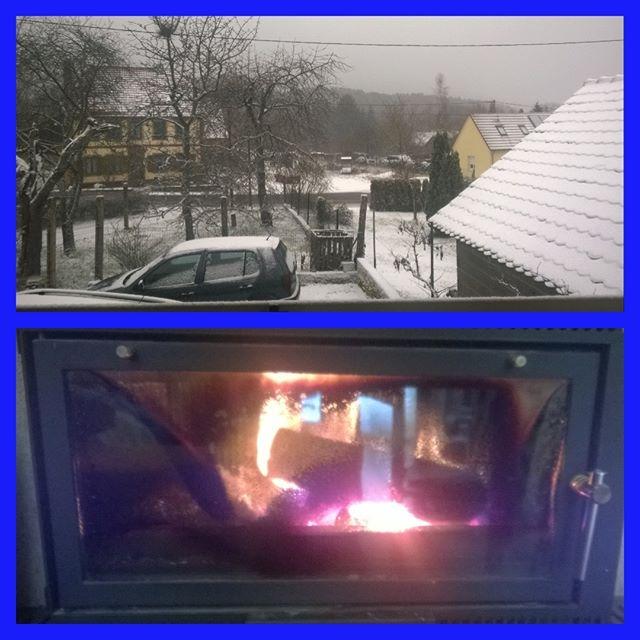 [Instagram] C'est cool de travailler de la maison quand il neige dehors.